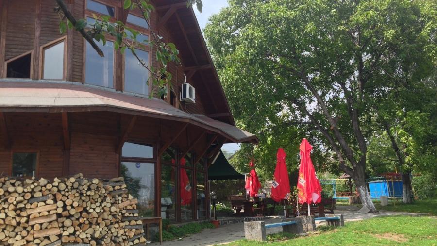 място за разходка – ресторант Златното агне