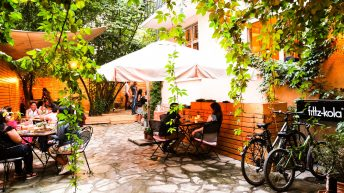 Прекрасната лятна градина на ресторант Соул Кичън