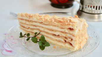 торта Наполеон в руски ресторант Арбат