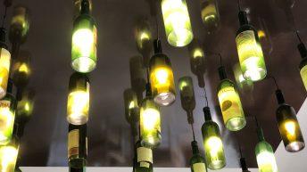 Ив на шеф Пламен Европейски. Таван от винени бутилки.
