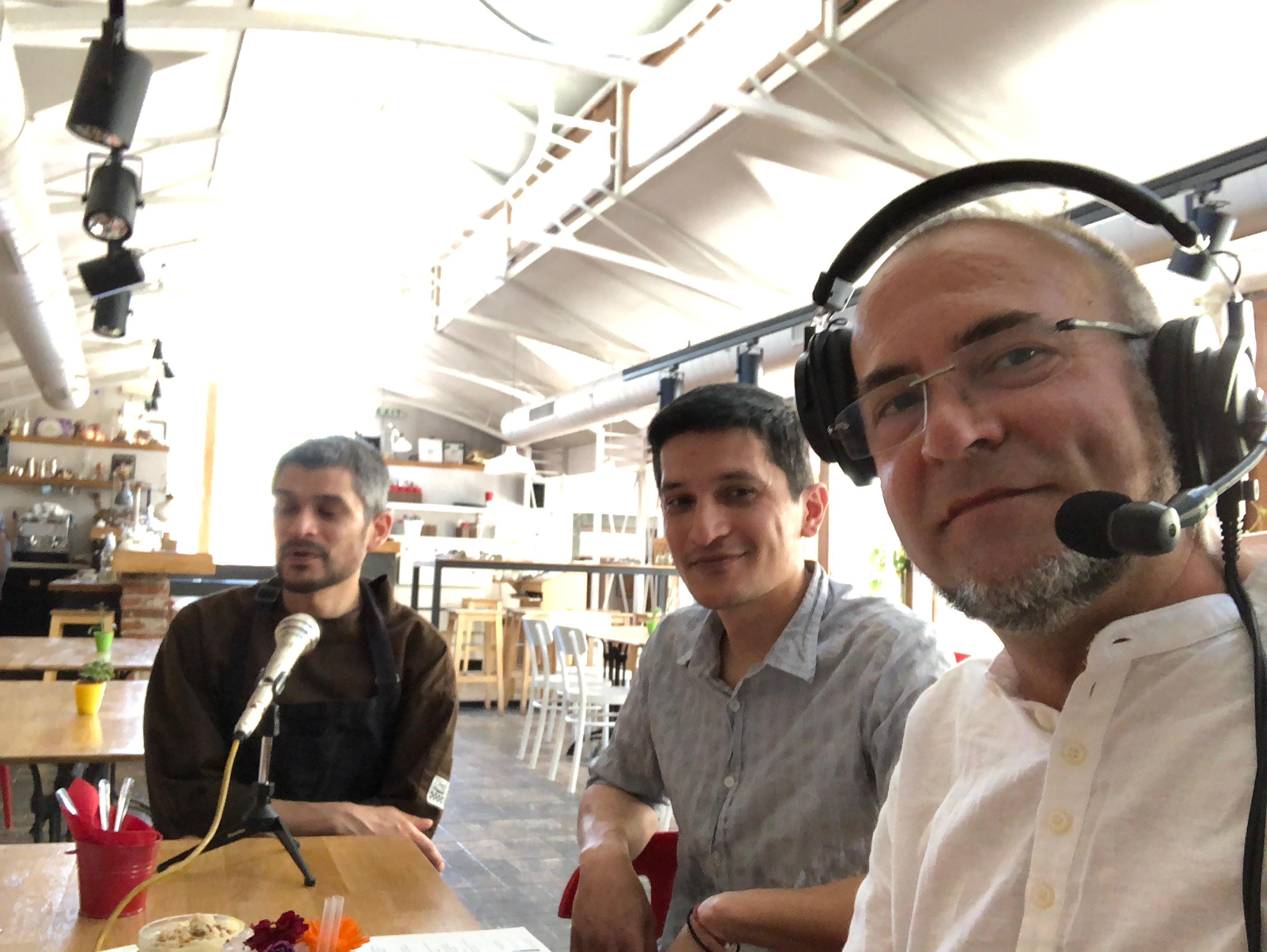 Ники Коев, Масаки Йошида и Джун Йошида пред камерата на Очилатите Дегустатори по време на Sofia Restaurant Week