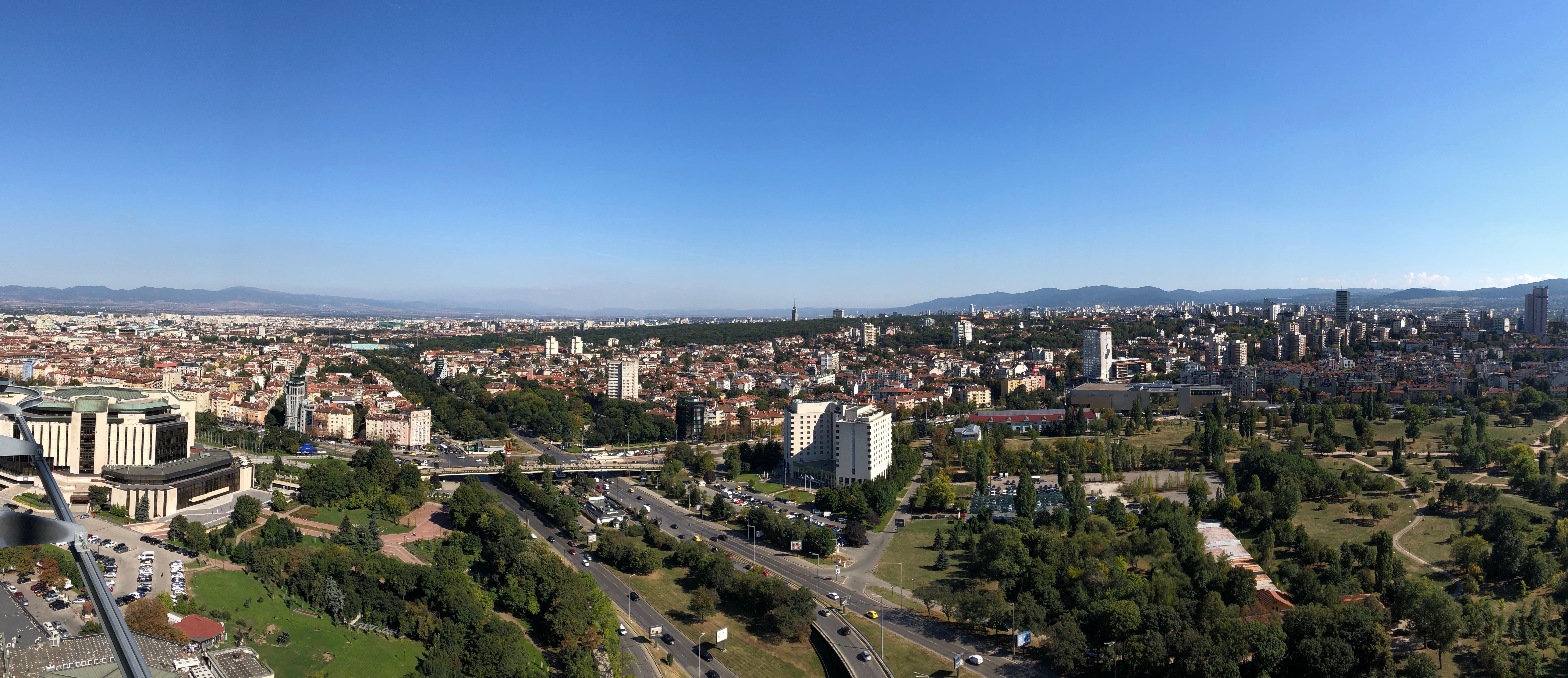 панорамата от ресторант The View