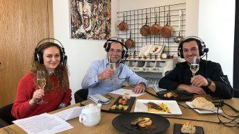 Очилатите Дегустатори на гости във френски ресторант L'Instant