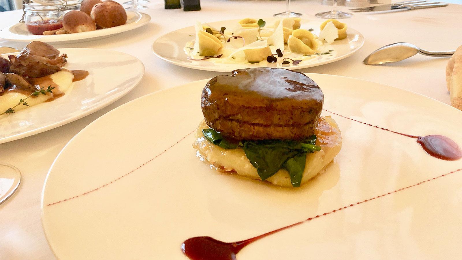 Телешко върху подложка фрико – италиански ресторант La Terrazza