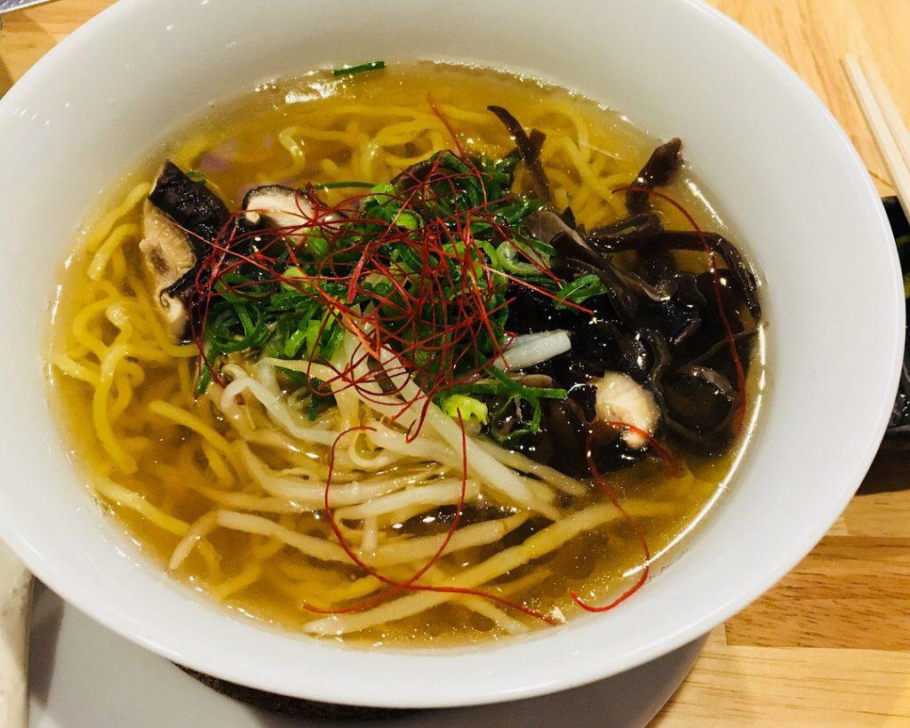 ресторанти, предлагащи супа от нудли