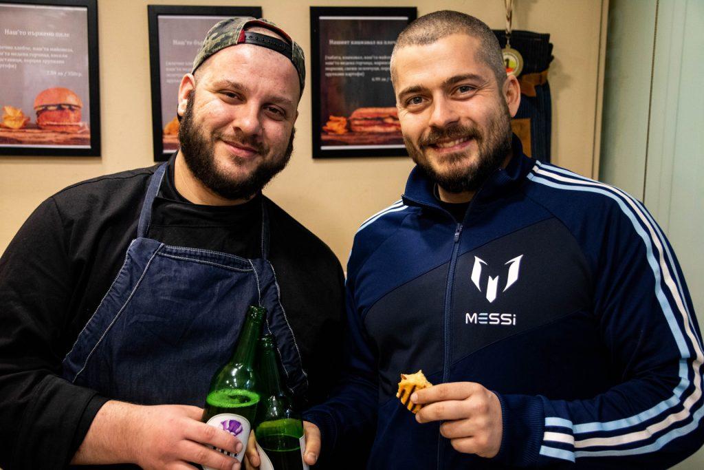 Българска храна от двама ентусиасти