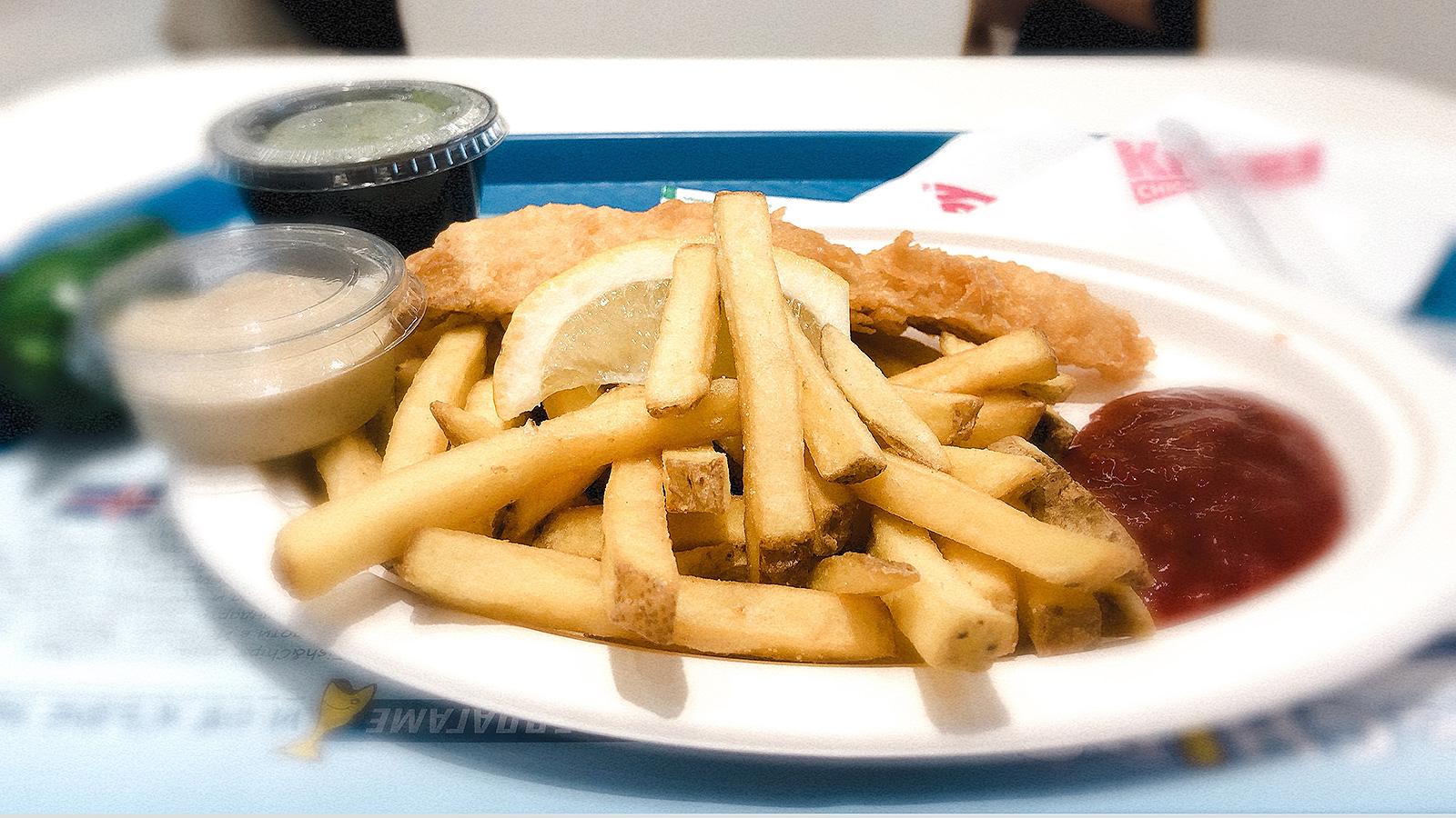 Фиш енд чипс с риба треска